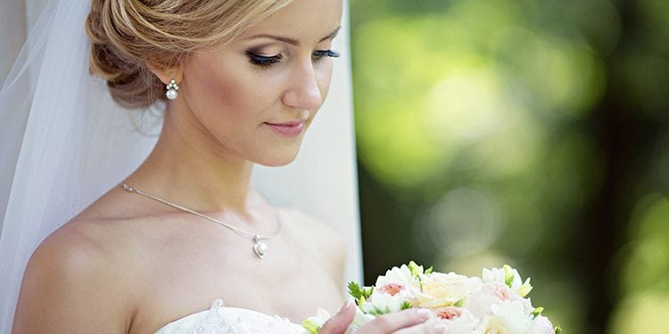 eyelash extensions on bride on her wedding day